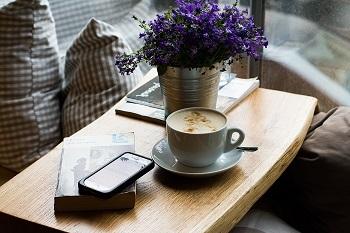 趣味と呼べることでなくても、じっくりコーヒーを淹れてみる、好きな花を育ててみるなど…自分の時間を過ごす中で、心はほどけていきます。忙しい毎日の中でも、「好き」を感じることで自分軸がはっきりし、行ってみたい所、やってみたいコトなど、世界が広がっていきます。