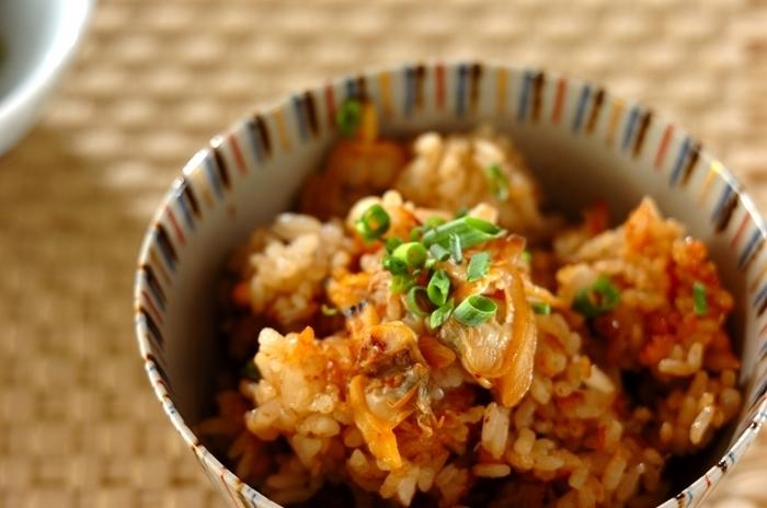 美味しいだしがたっぷり取れるあさりは炊き込みご飯にぴったり♪あさりは通年手に入りますが、春と秋が旬。秋はあさりが美味しく食べれられる季節なんです。炊飯器で作れるレシピで、手軽に旬の食材を楽しみましょう。