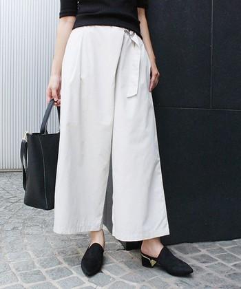 履くだけでAラインやIラインにバランスを整えてスタイルアップが期待できるロングアイテム。最近では、ガウチョパンツやワイドパンツ、ふんわりスカートやプリーツスカートなど種類が豊富なので是非自分に似合うものを取り入れて。