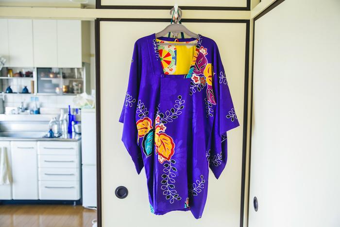 着物は、着付け教室の先輩に譲ってもらうことも。二週間に一度のレッスンやお出かけ、お客様をお迎えするときに着ることが多いそう。「今年からは着付けをする側にも挑戦してみたい」と渡邉さん