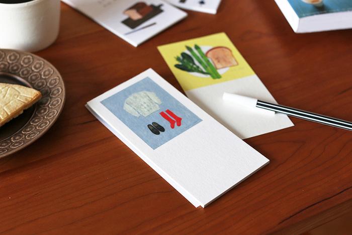 四季をテーマにした4種類のイラストが描かれた一筆箋は、1セットあればいつでもほしい時に活躍してくれそう。優しく素朴なイラストはほっと心が和みます。