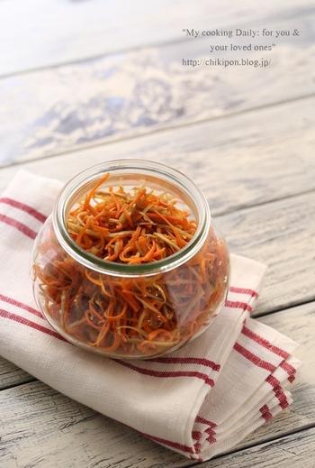 ほんのりお酢をきかせた後味さっぱりのきんぴらごぼう。蒸し暑い季節のお弁当のおかずにもおすすめです。