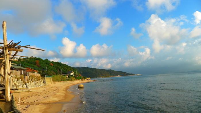 工房とったんの目の前は海。海を眺めながらゆっくりと召し上がれ♪