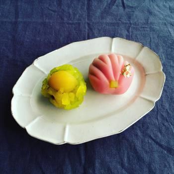 可愛らしく美しい日本の職人技の生菓子は、目にするだけで心が躍ります。