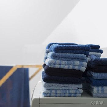 こんなブルーのタオルはトイレや洗面所など、物があふれる場所でもスッキリとした雰囲気を作ってくれますよ。