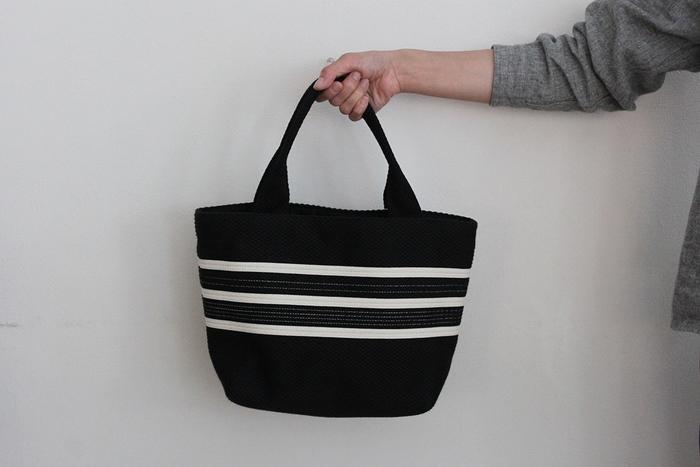 色やデザインも豊富ですが、バッグ自体は主張しすぎずどんなスタイルにも馴染みます。