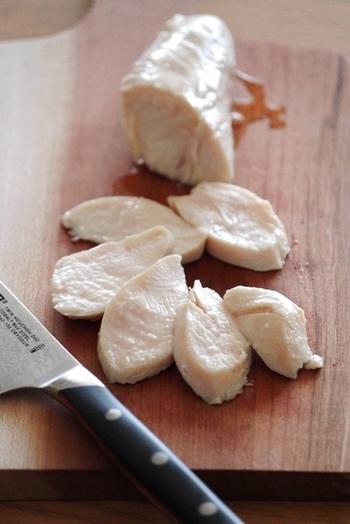 牛・豚・鶏のお肉は、おなかをとってもあたためてくれるんだとか。鶏のささみは、低脂肪でからだを温めてくれるのでおすすめですよ。