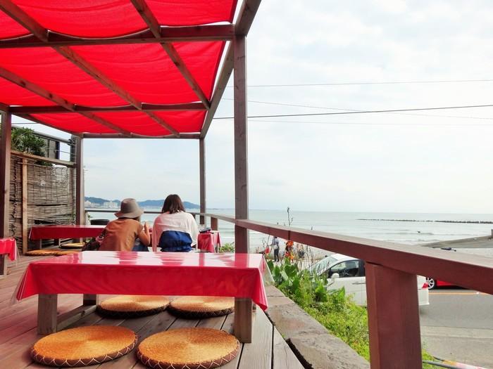 長谷と極楽寺の中間あたり、由比ヶ浜のはしっこにある、とっても気分の良いカフェ「サイラム」。