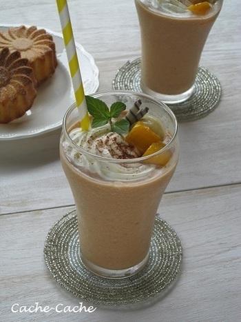 おしゃれなカフェで人気の「フローズンドリンク・フラッペ」。ドリンクとデザートのいいとこ取りした、暑い夏にぴったりの飲み物です。