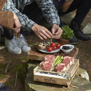 コンロ部分の4隅に火をつけて調理開始!  調理可能時間は60分とちょうど良い時間です。