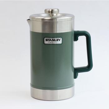 コーヒー本来の味わいを楽しめる、フレンチプレスという抽出方法もあります。容器に挽いたコーヒー豆とお湯を入れ、金網フィルターでプレスして抽出します。コーヒーだけでなくお茶や紅茶を淹れることもできるので、ひとつ持っていると非常に便利ですよ。