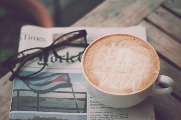 日本のコンビニくらい、街の各地にカフェが点在しているバンクーバー。出勤前の時間帯はカフェに列ができていることも日常の光景です。朝の時間にカフェに行き、まったりと自分の時間を過ごす…贅沢な朝習慣ですね。