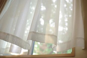 目が覚めたらカーテンを開けて、お部屋に朝日を取り入れましょう♪光を浴びれば起きやすくなり、二度寝防止にも。朝日を浴びてポジティブに一日をスタートさせましょう…!