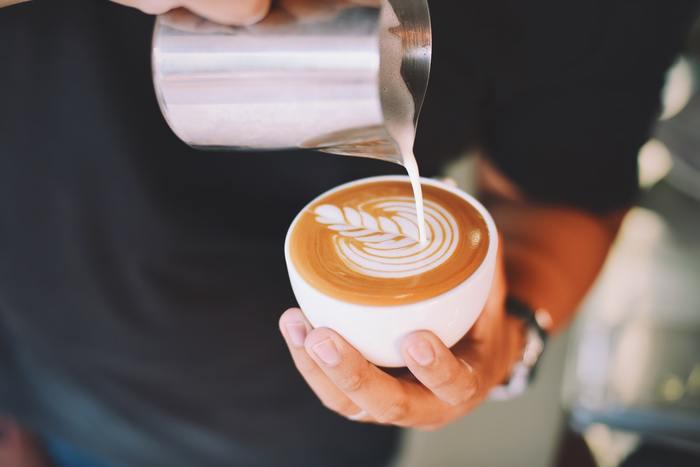 美味しいコーヒーと一緒なら、読書や勉強もさらに捗るかもしれません。時間にゆとりのある日は、カフェでプチ贅沢な時間を楽しんでみませんか。
