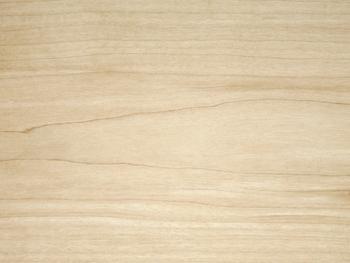木材の中でももっとも堅いといわれているメープル。柔らかで優しい色合いがとても印象的な、人気の木材です。ナチュラルな色むらが活きる素材でもありますね。