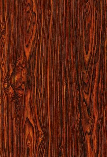 家具用の木材としては代表的なものです。とても硬くて、あまり狂いがないのでギターなどの楽器にも使われる木材です。