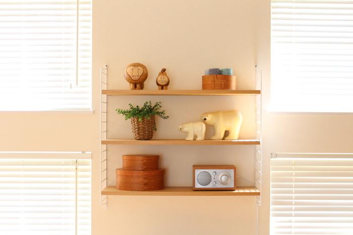 リサ・ラーソンの陶器オブジェやシェーカーボックスとともに。北欧インテリアとも自然と調和がとれます。