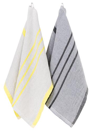 【Hand Towel 48x70cm】 USVAシリーズの中でも、こちらのハンドタオルをはじめ、「タオル」と名付けられた3タイプは、抜群の吸水性と速乾性があります。キッチンで食器などを拭くのに最適。また、乾くのが早いので洗濯も楽ですよ。いつでも洗い立ての清潔な状態を保てます。