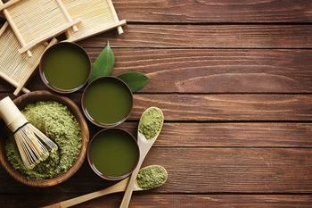さらに、お祝い事では日本茶もタブーとされています。 こちらは語呂合わせではなく、昔から日本ではお葬式などでお茶を贈る習慣があったため。  ただ、紅茶やハーブティーはOKなので、お祝い事でお茶を送りたい場合はそういったものを選ぶのも良いですね。