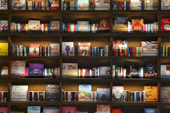 たまには図書館や本屋さんに出かけるのもおすすめ。 素敵な本との出会いがあるかもしれません。