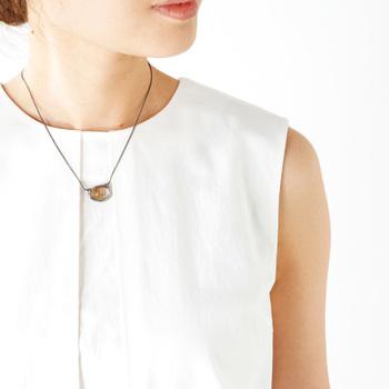 """■天然石ネックレス""""necklace wabi""""  メキシコの""""編み""""の技術をつかって作られた天然石のアクセサリー。スタイリッシュだけれど温かみのあるネックレスは、シンプルなトップスのワンポイントにもよく映えます。"""