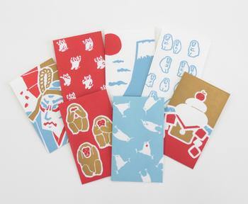 """ポチ袋といえば、干支は定番。だからこそ、個性と遊び心は必須です。活版印刷独特の大胆な配色で描かれた、活気あふれる""""申""""たちは、インパクト大です!"""