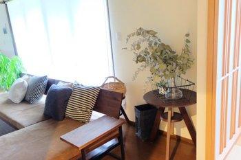 和室の空間も、温かみあるブラウンで統一すると落ち着きが感じられる仕上がりに。