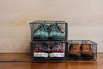 元々はシューズボックスとして作られたものなので、もちろん靴の収納としても使えます。重ねて使うこともでき、省スペースなのも魅力的!