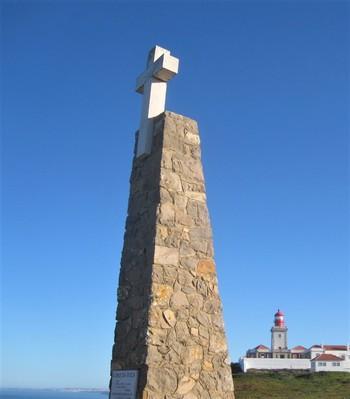 ユーラシア大陸最西端の「ロカ岬」はシントラに来たなら絶対に外せないスポット。リスボンからも日帰りで行ける距離なのが嬉しいですね。