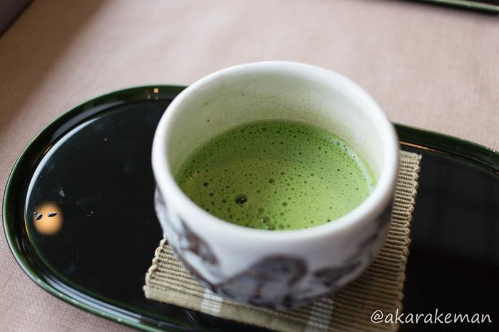 和風のスイーツを作りたい時に重宝する抹茶は、和風ロールケーキの素材としてもぴったり。見た目の鮮やかな緑色からも和の雰囲気が伝わってきますね♪