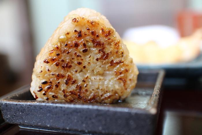 冷めても美味しいので、お弁当にもおすすめ。いろんな焼きおにぎりのバリエーションを作って、マンネリ防止に役立てちゃいましょう♪