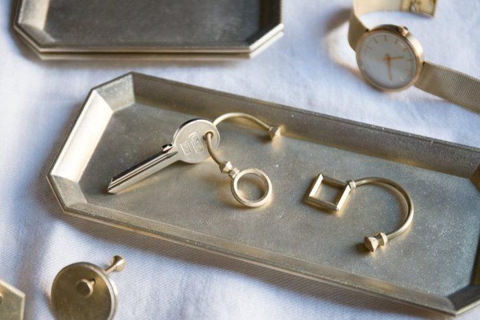 時を経て使い込むほどに、味わい深い趣が現れる「FUTAGAMI」の真鍮プロダクト。ぜひ暮らしの中に取り入れてみてくださいね。きっと温かくて優しい輝きを放ってくれるはずです。