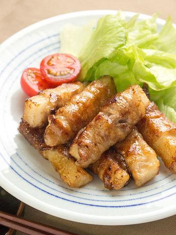 栄養たっぷりの長芋を豚肉でくるくると巻いて、ボリュームアップ!長芋の食感を活かすために、パパッと仕上げるのが美味しくするコツ。豚肉と長芋の組み合わせが新鮮で、シャキシャキとした食感が楽しめます。