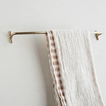 タオルをかけてもこんなに素敵な雰囲気になるのは驚きですね。