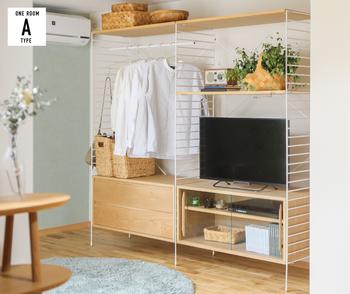 テレビ台として、ドレッサーやクローゼットとして、一箇所にすべてを集結できるので、寝室にいろいろ置きたい人におすすめです。家事導線や効率が良くなる利点もありますよね。
