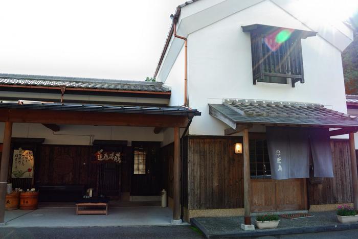 京都を代表する漬物店の一つ「近為」。明治12年創業の老舗店の工場は、穴太寺から車で10分程の場所にあります。
