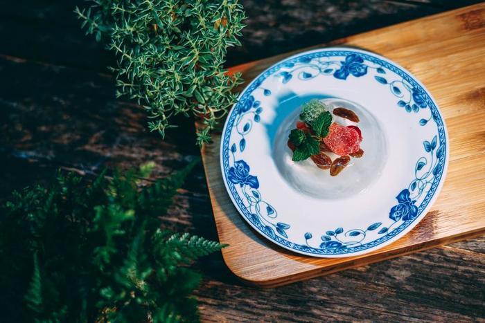 育てたハーブはお料理やデザートのトッピングに使う…とっても贅沢ですね。