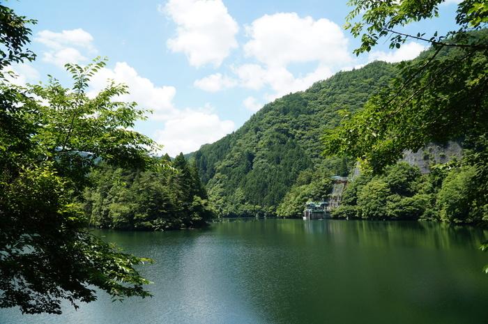 手付かずの自然が豊かに残る場所でありながら、観光客が楽しめる人気スポットも数多く揃う十津川村。ゆったり過ごすのも良し、アクティブに楽しむも良し。ぜひ、いろいろなスタイルの旅行を満喫してみて下さいね!