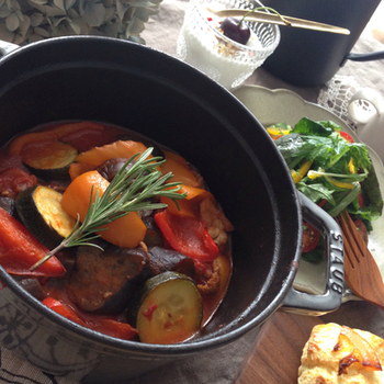 いかがでしたか?さっぱりとしたレシピばかりなので、暑さで食欲が落ち気味の方もぜひ作ってみて下さい。身体にやさしい料理を食べて疲れを癒しつつ、残暑を元気に乗り切りましょう!