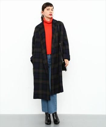 タイトな印象のチェスターコートですが、今年はオーバーサイズのビッグシルエットがトレンドです。