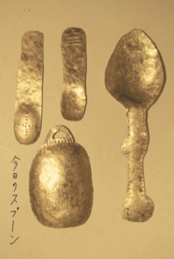 こちらもLe Midiさんで開催された個展「今日のスプーン」。ギャラリーではないLe Midiさんでしかできないことを考えたときにお皿とスプーンが浮かんだそう。