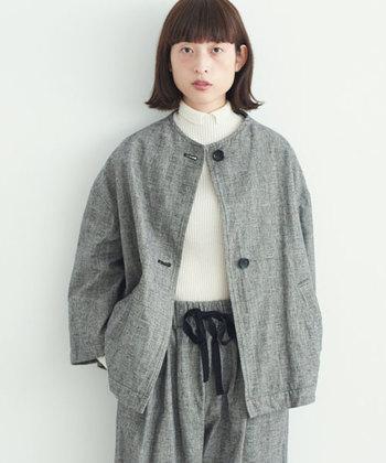 セットアップスタイルや、ワンピースにさらっと羽織るのがかわいいジャケットを1枚もっておくと便利です。秋冬のレイヤードスタイルがセンス良く決まりますよ。