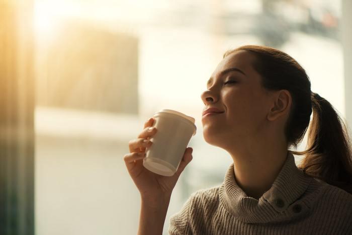 起きてからの食事・着替え・支度など、気付けば時間がバタバタと過ぎてしまう朝に、少しだけ早起きをしてシンプルな習慣をつくれば、心の余裕が生まれ充実した一日をスタートすることができますよ♪