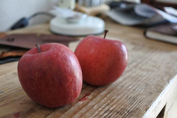 アメリカ生まれの品種で、サクサクとした柔らかい果肉は甘く、果汁も豊かです。リンゴの華やかな香りを重視したお酒に仕上げたい時におすすめですが。酸味が控えめなので、レモンなどを多めに入れると味が引き締まります。