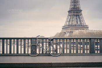 """フランスに住んでみたいと思ったことはありますか?ファッション・アート・食文化・街の景色や言葉、ライフスタイル。。。フランスには、魅力的なことがたくさん。遠い日本からイメージを膨らませて憧れるだけではなく、実際に""""暮らすような旅""""をして体感してみてはいかがでしょうか。"""