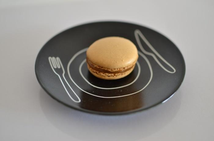 プレートは、S・M・Lサイズの3つ展開されています。プレートのデザインを生かせるように、3種類そろえるのがおすすめ◎ パンやスイーツをのせたり、取り皿としても活用できます。