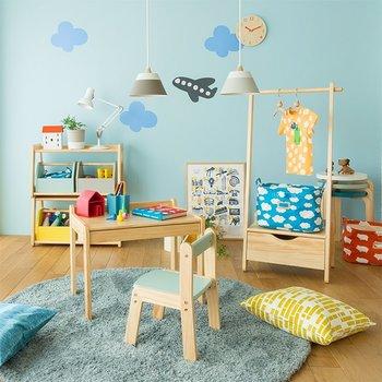 ファブリック素材は色や柄がキュートな物も多く、お子様のお部屋にぴったり。サイズや色でおもちゃを分類したりと、これならお子様も楽しんでお片付けしてくれそうですね♪