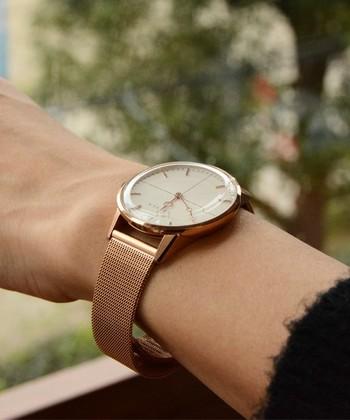 """イタリア発のブランド「クラス14」の時計は、""""この上なく優れた美しさと他にないぐらいのユニークさ""""をコンセプトにデザイナーやアーティストとのコラボ時計を生産しています。"""