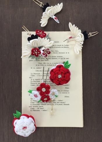 正絹を使って、鶴や梅竹などの縁起物モチーフを組み合わせた髪飾り。和のウェディングや成人式などにぴったりなので、華やかなハレの日に!