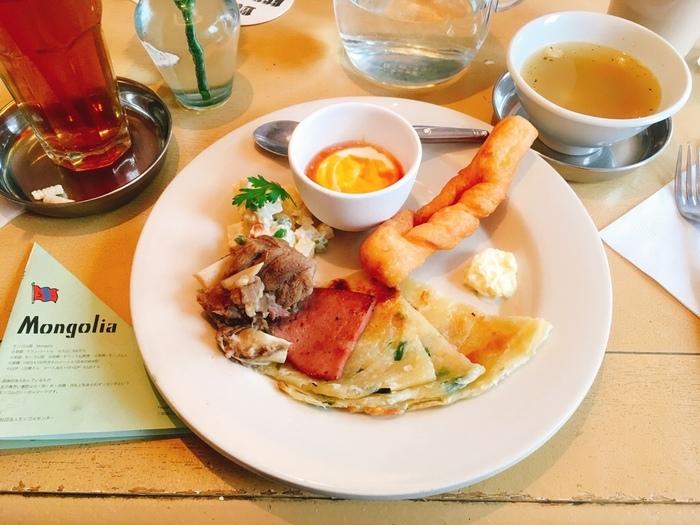 朝食とは、はるか昔からその国で食べられてきた定番料理です。朝ごはんのひと皿にはその国の文化が、ぎゅっと凝縮されています。